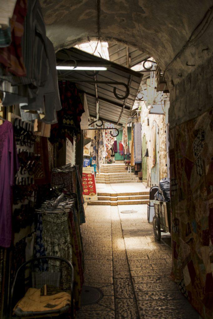 La via che porta ai tetti di Gerusalemme