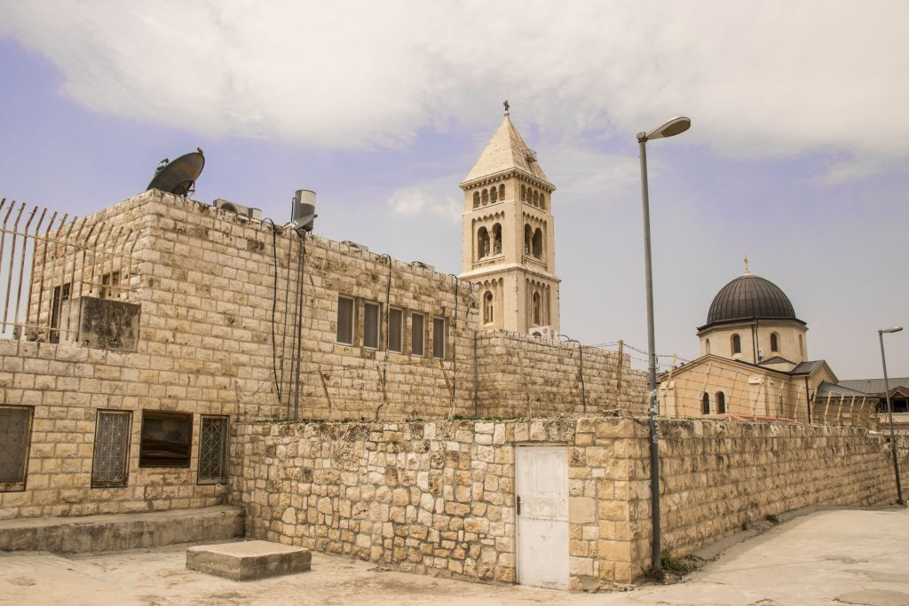 Sui tetti del quartiere ebraico di Gerusalemme