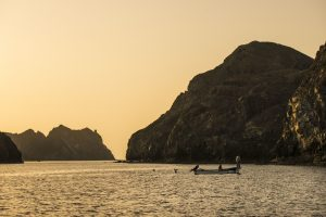 Pescatori al tramonto sulle coste di Muscat