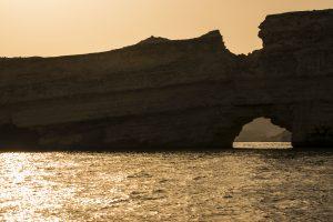 Tramonto in barca tra le coste di Muscat