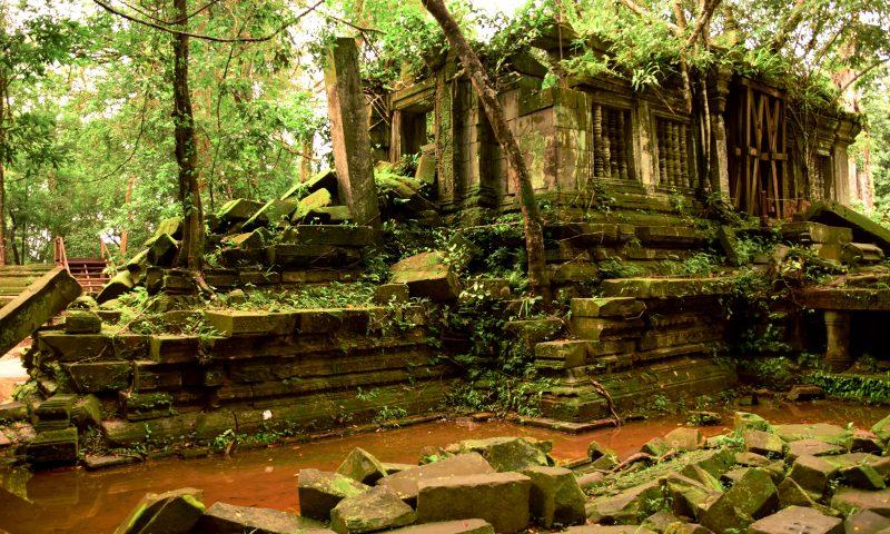 Visitare le rovine del beng Mealea avvolte dalle fronde della giungla circostante