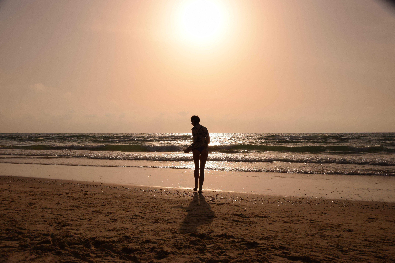 Valentina sulla spiaggia di Jaffa Tel Aviv al tramonto