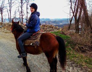 Passeggiata a cavallo con Bionda a Le Carovane